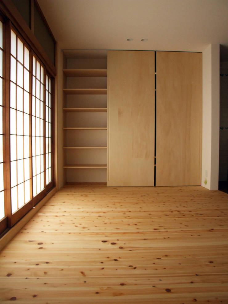 TV棚(2): カナタニ建築設計工房が手掛けたです。