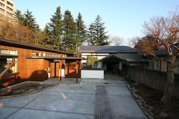 ファサード: 遠藤知世吉・建築設計工房が手掛けた家です。