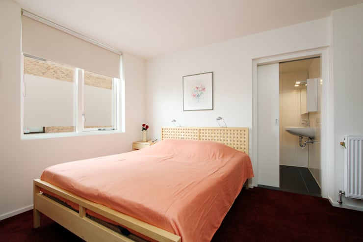 slaapkamer:  Slaapkamer door JANICKI ARCHITECT, Modern