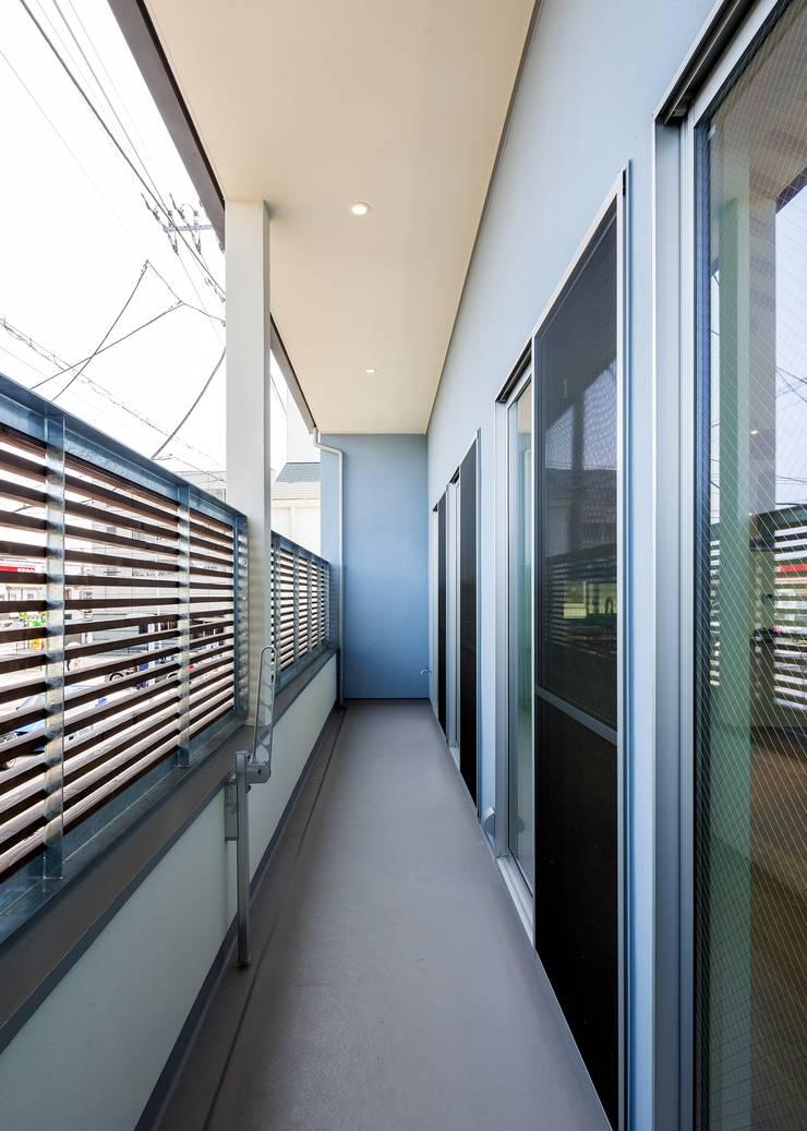 バルコニー: Unico design一級建築士事務所が手掛けたテラス・ベランダです。