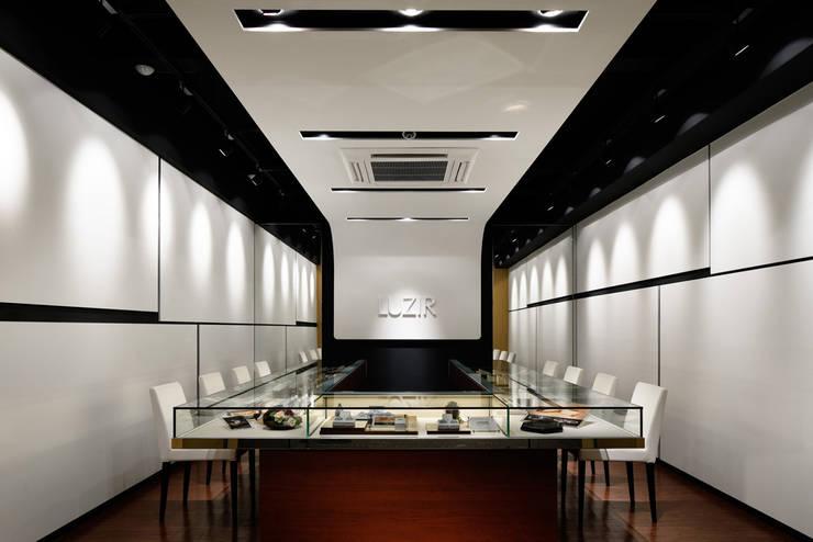 LUZIR: 藤村デザインスタジオ / FUJIMURA DESIGIN STUDIOが手掛けた和室です。