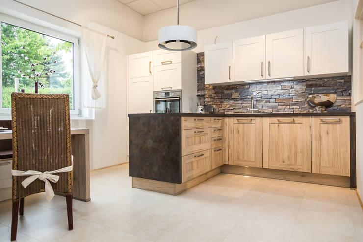 Küchen: Klassische Küche Von Möbel Röthing   ...wir Machen Zuhause