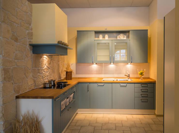 Kitchen تنفيذ Möbel Röthing - ...wir machen Zuhause