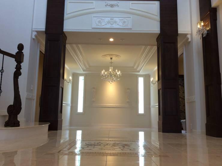 施工事例1: ㈱K2一級建築士事務所が手掛けた廊下 & 玄関です。