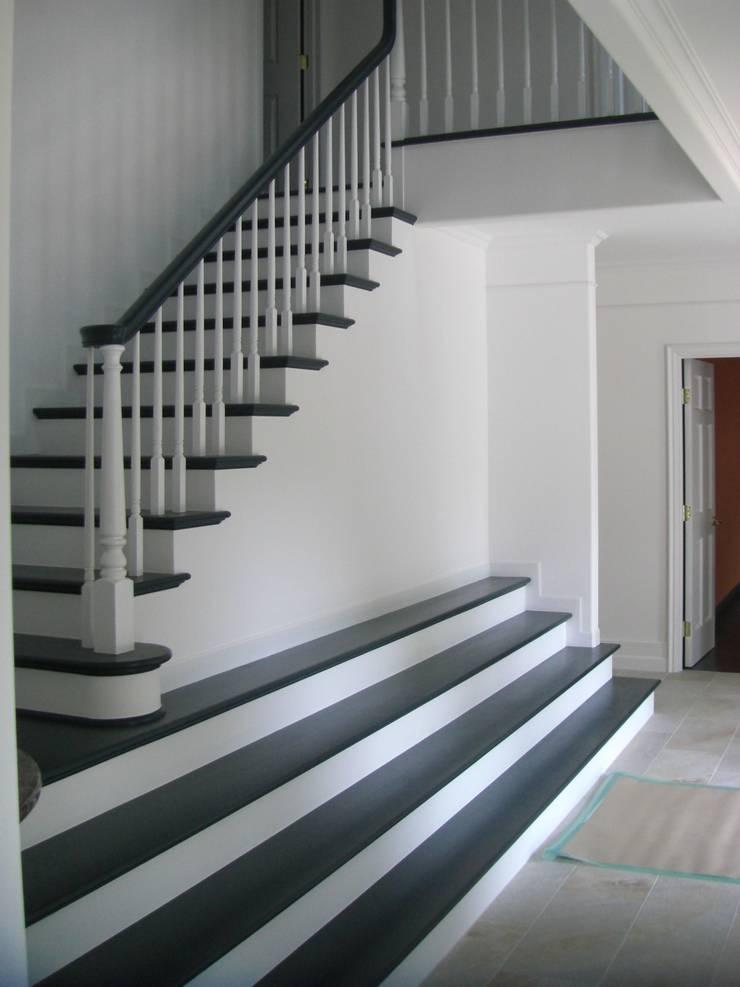 施行事例3: ㈱K2一級建築士事務所が手掛けた廊下 & 玄関です。
