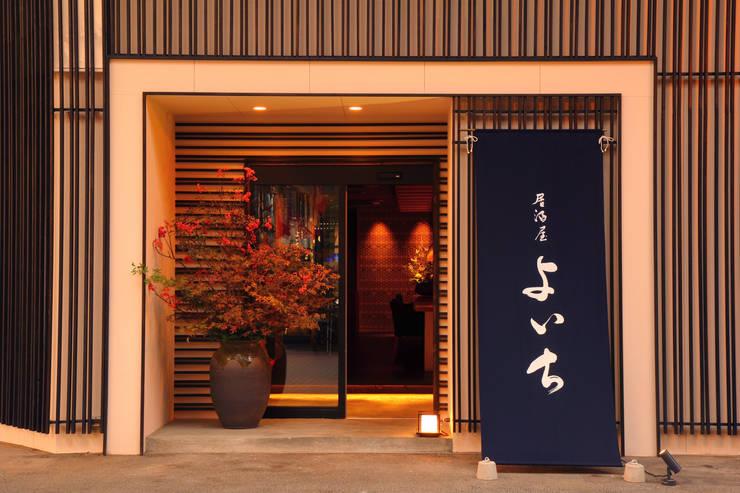 FACADE1: 株式会社DESIGN STUDIO CROWが手掛けたレストランです。