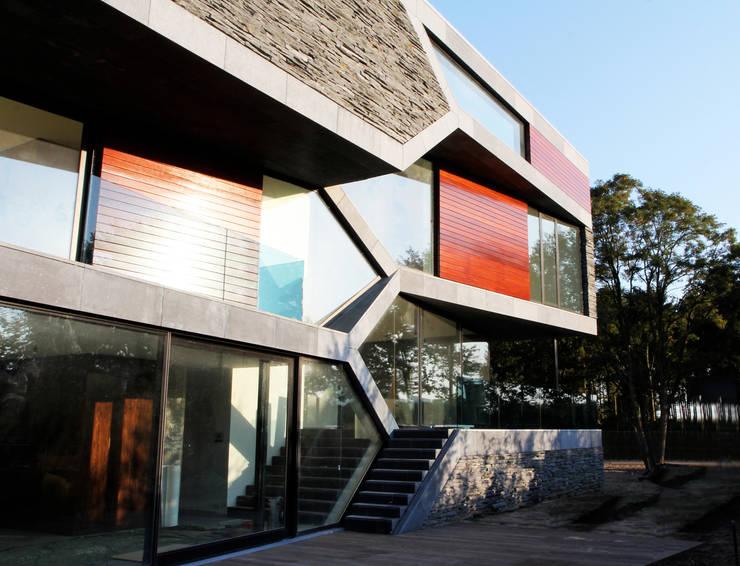Villa van Lipzig: moderne Huizen door Loxodrome design&innovation