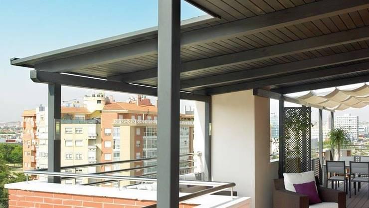 Terrazas: Terrazas de estilo  por JS ARQUITECTURA