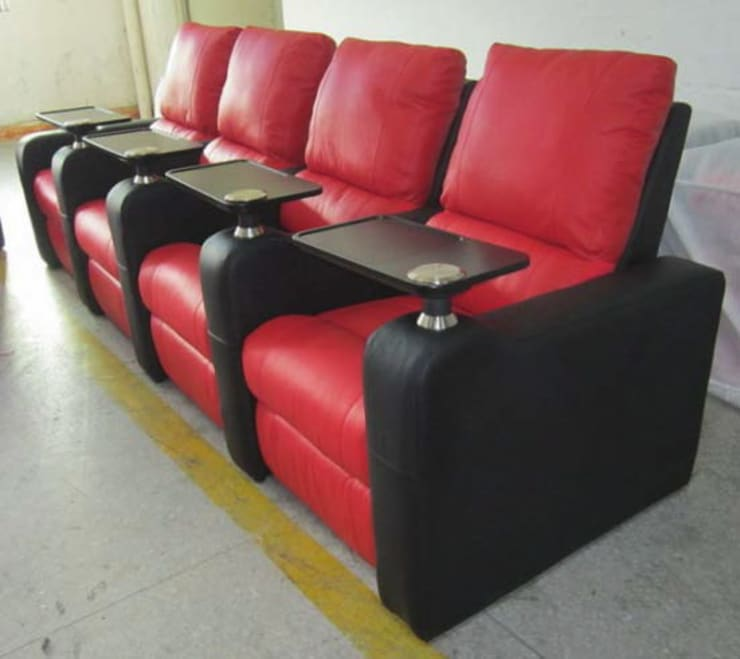 Gllamor red black recliner:  Balconies, verandas & terraces  by Gllamor