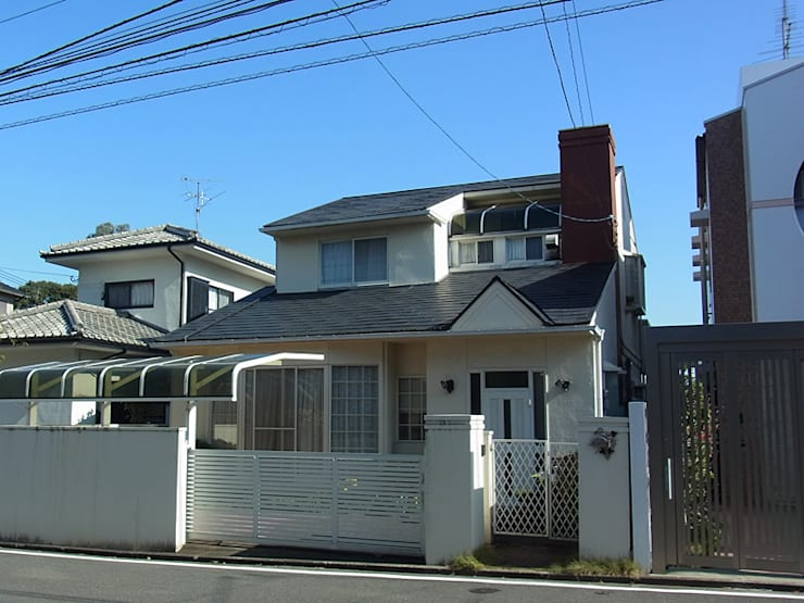 Projekty, klasyczne Domy zaprojektowane przez 株式会社フーセット Huset co.,ltd