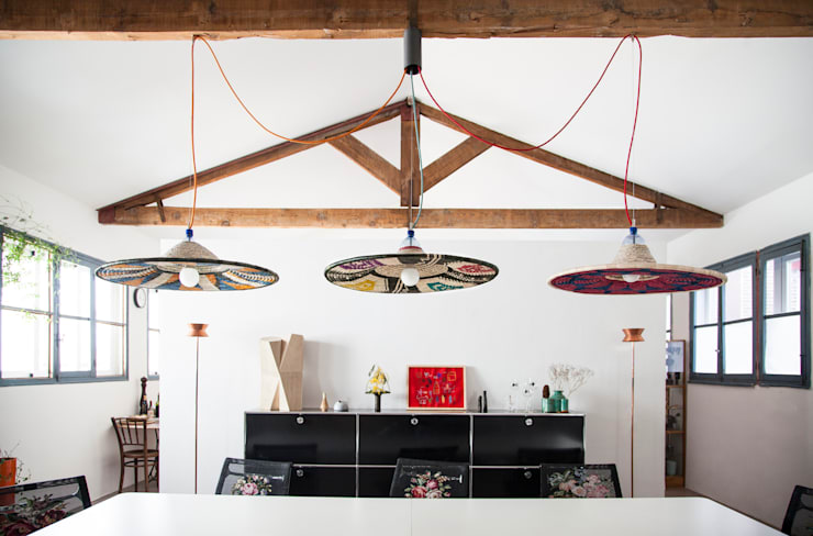 Pet Lamp: Comedor de estilo  de Años Luz Iluminación de Vanguardia