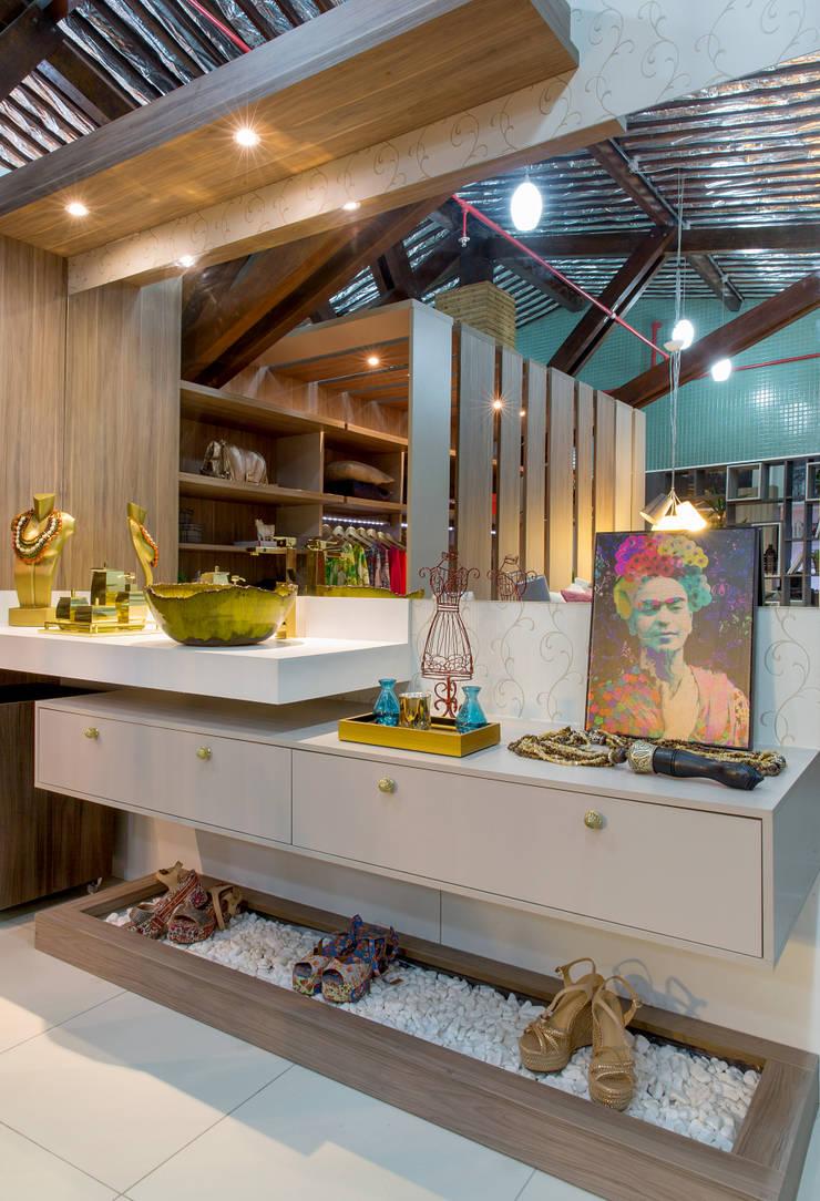 Penteadeira da Estilista: Espaços comerciais  por Bruno Sgrillo Arquitetura,Moderno