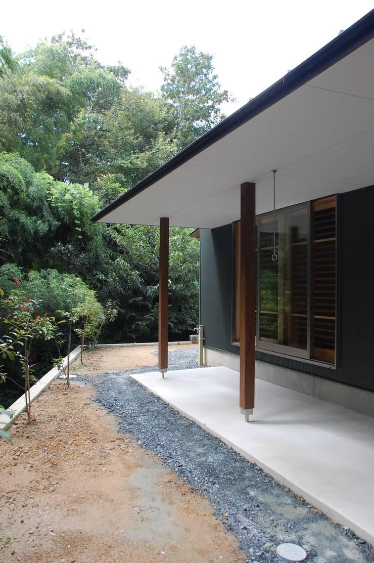 奏でるsumai: 一級建築士事務所アトリエ樫が手掛けたテラス・ベランダです。