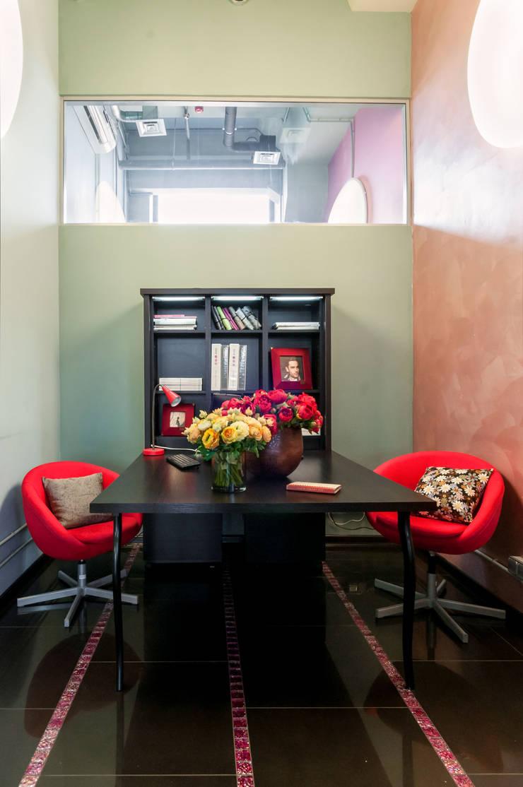 Офисно-выставочное пространство. Шоурум «ARTTEX Сoncept» и «TOSO» в Центре дизайна «Artplay»: Коммерческие помещения в . Автор – Бюро Акимова и Топорова