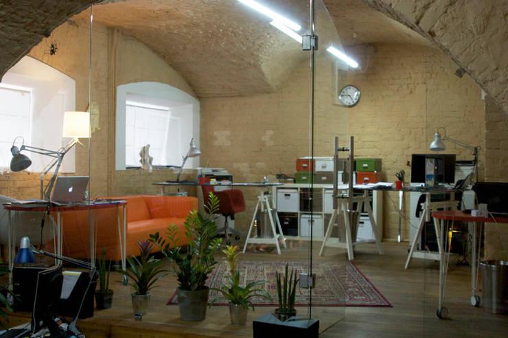 Офис, 2011-12 гг.: Офисные помещения в . Автор – Бюро Акимова и Топорова,