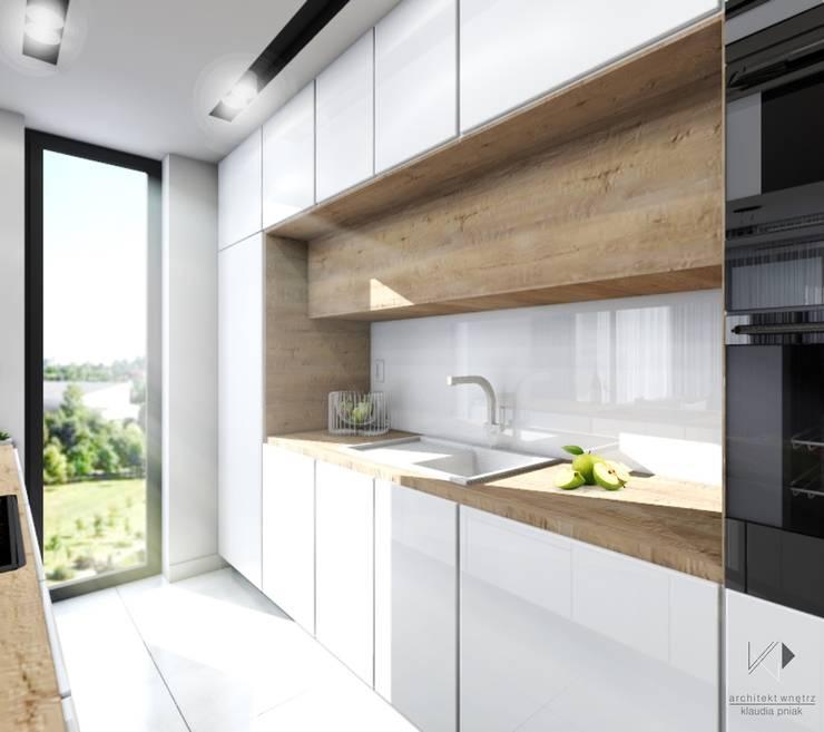 Kuchnia w drewnie : styl , w kategorii Kuchnia zaprojektowany przez Architekt wnętrz Klaudia Pniak