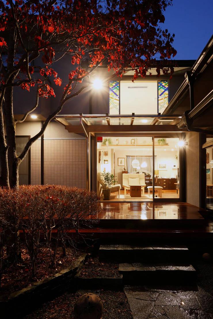 南夕景: 竹内建築設計事務所が手掛けた家です。