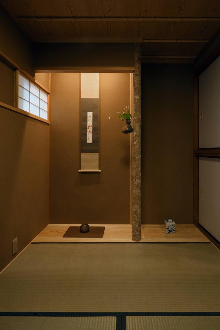 和室: 竹内建築設計事務所が手掛けた和室です。