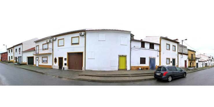 casa montefilipe: Casas  por Atelier Base