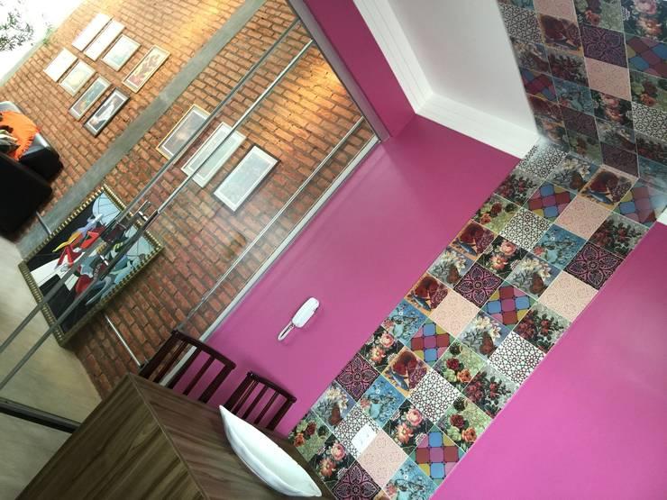 CASA LR : Salas de jantar modernas por TRES MAIS arquitetura