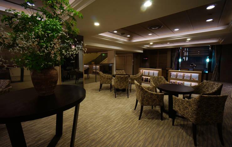 LOUNGE AREA-3: 株式会社DESIGN STUDIO CROWが手掛けたホテルです。