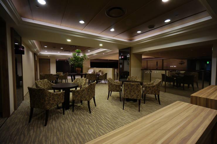 LOUNGE AREA-4: 株式会社DESIGN STUDIO CROWが手掛けたホテルです。