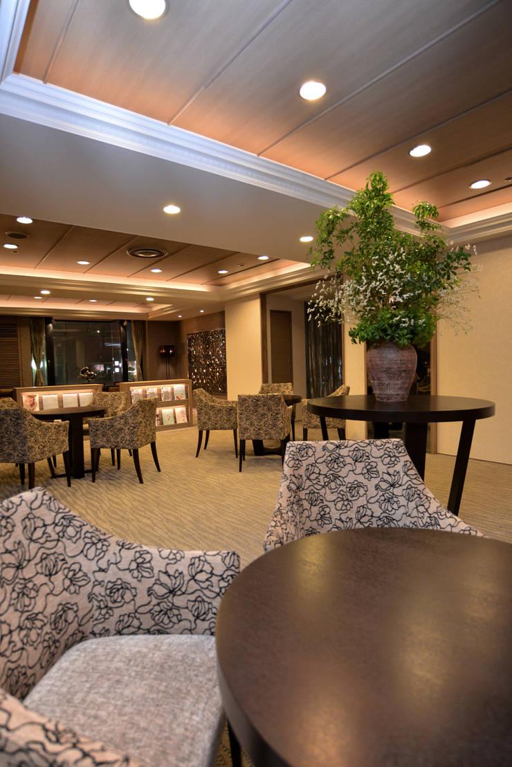 LOUNGE AREA-5: 株式会社DESIGN STUDIO CROWが手掛けたホテルです。