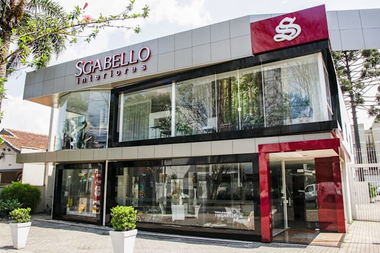 Nova Fachada: Edifícios comerciais  por Sgabello Interiores