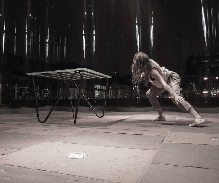"""In dialoog met het de """"Pulse Table"""" in het MAS museum, Antwerpen:  Kunst  door Jaap Bontekoe"""