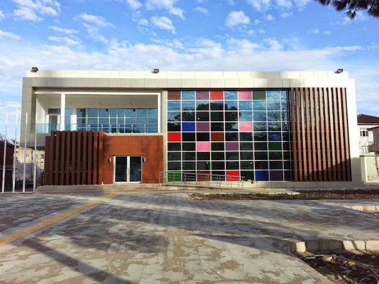 Baykar Yapı Taahhüt – Fatsa Gençlik Merkezi:  tarz