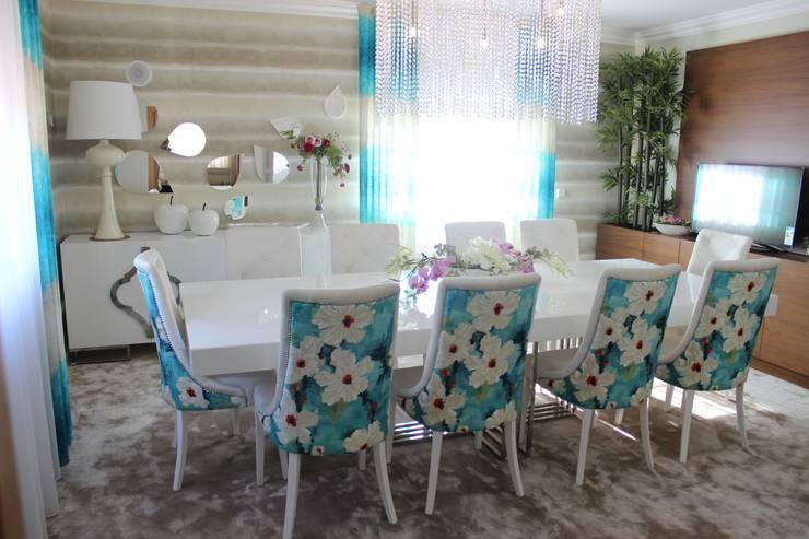Cadeiras para mesa de Refeição: Sala de jantar  por Andreia Louraço - Designer de Interiores (Contacto: atelier.andreialouraco@gmail.com)