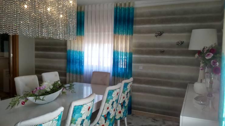 Comedor de estilo  por Andreia Louraço - Designer de Interiores (Contacto: atelier.andreialouraco@gmail.com)