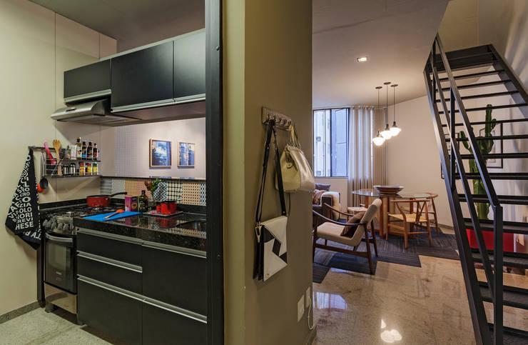 Loft M: Cozinhas modernas por Dubal Arquitetura e Design