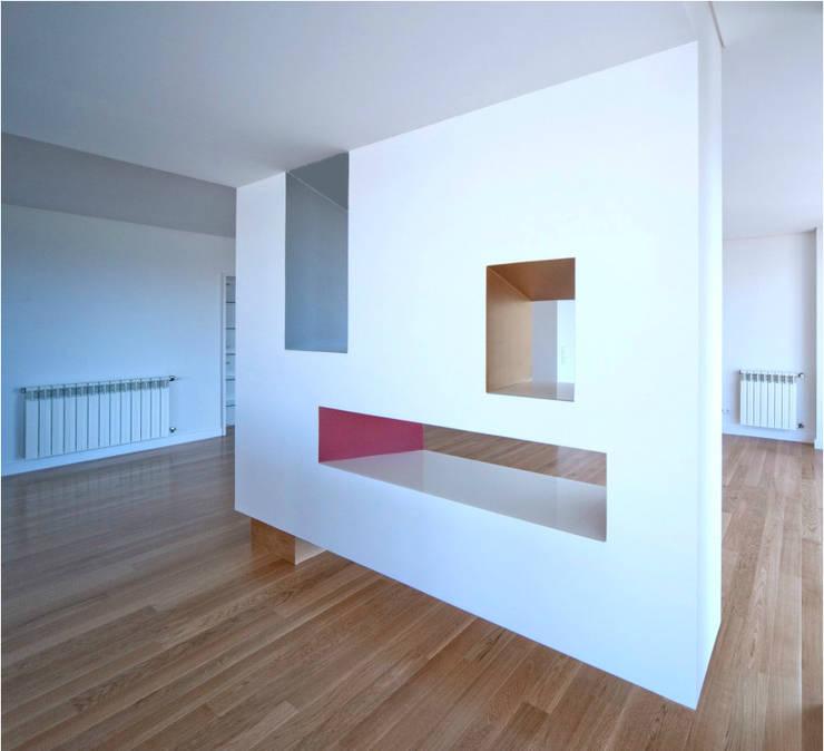 Oporto House:   por CG+LSC Arquitectos