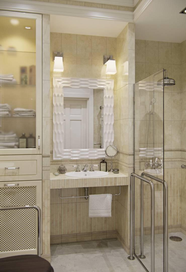 Дом в Madison Park: Ванные комнаты в . Автор – MARION STUDIO