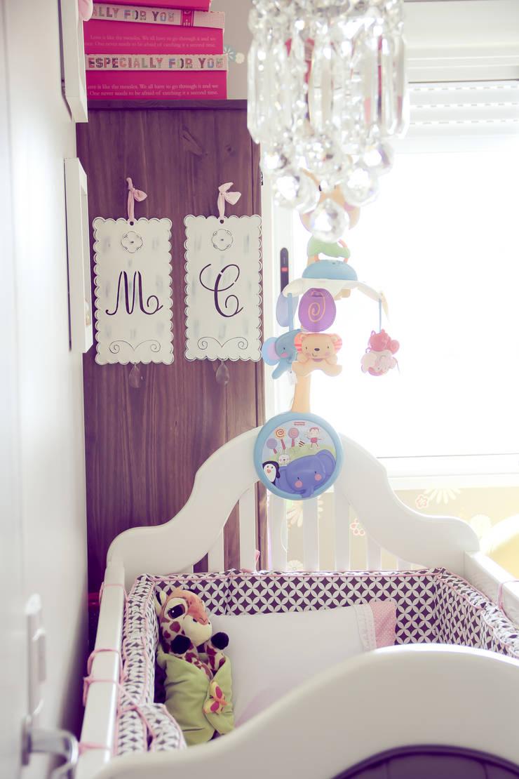 Quarto Bebê: Quarto de crianças  por Vanessa Mondin _Arquitetura e Interiores,
