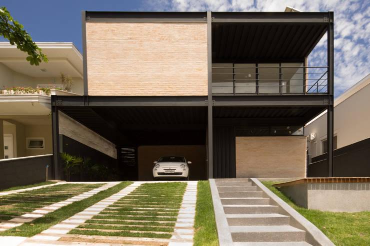Casa_63: Casas  por Sonne Müller Arquitetos