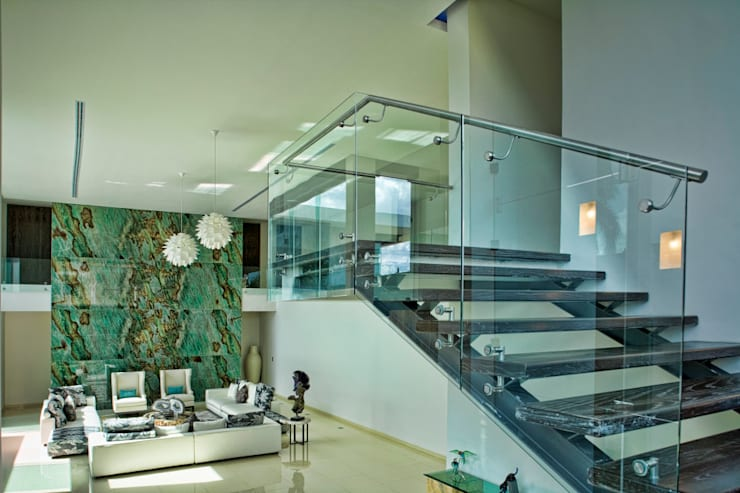 Projekty,  Korytarz, przedpokój zaprojektowane przez AIDA TRACONIS ARQUITECTOS EN MERIDA YUCATAN MEXICO