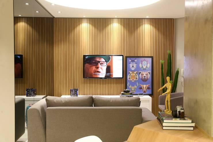 Apartamento DM: Salas de estar modernas por Sonne Müller Arquitetos