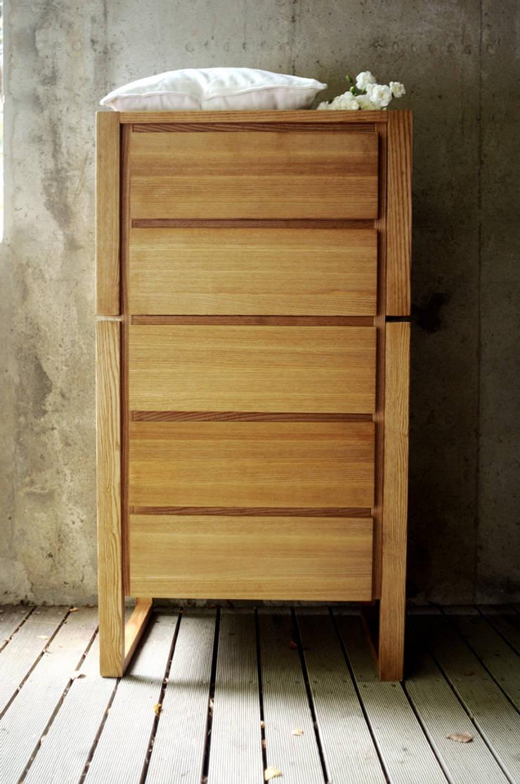 Armário de gavetas Frame: Quarto  por Boa Safra