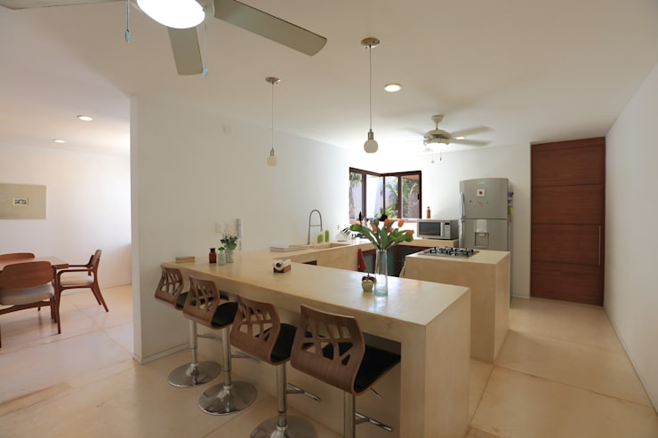 tropical Kitchen by FGO Arquitectura