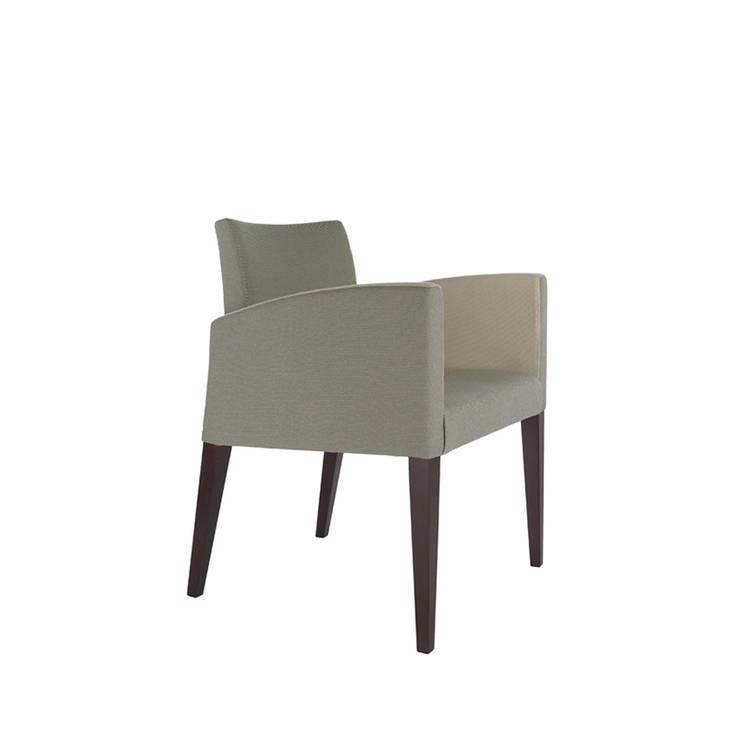 Cadeira Laurent: Casa  por Boa Safra