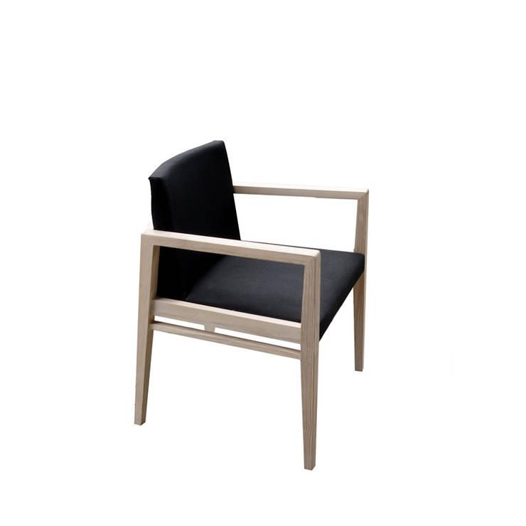 Cadeira Antoine: Casa  por Boa Safra