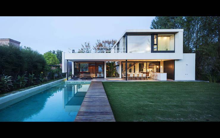 Casas  por Estudio PKa. / Pessagno Kandus arquitectos