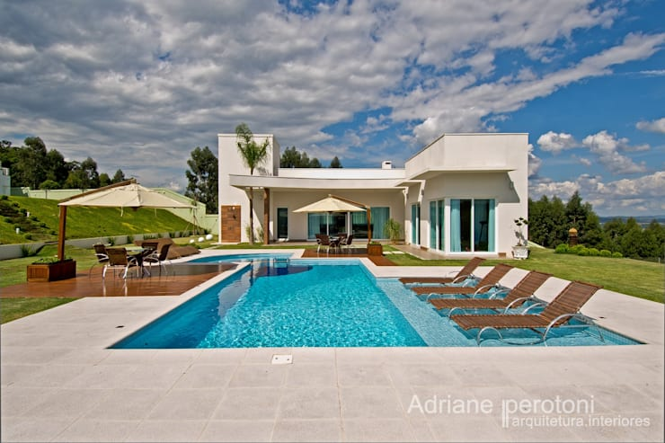 บ้านและที่อยู่อาศัย โดย Adriane Perotoni Arquitetura.Interiores, โมเดิร์น