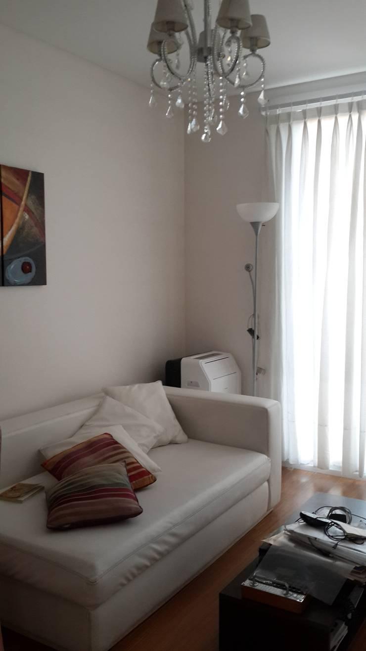 Casa en Los Lagos – Nordelta: Estudios y oficinas de estilo  por Arquitectos Building M&CC - (Marcelo Rueda, Claudio Castiglia y Claudia Rueda)