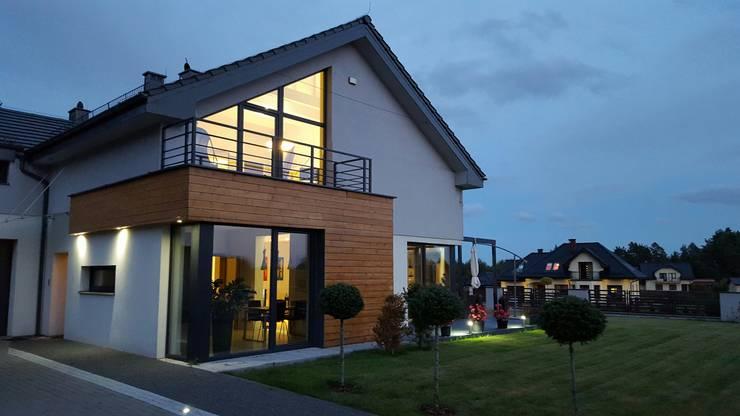 Dom Chwaszczowo- Gdynia: styl nowoczesne, w kategorii Domy zaprojektowany przez Pracownia Projektowa Wioleta Stanisławska