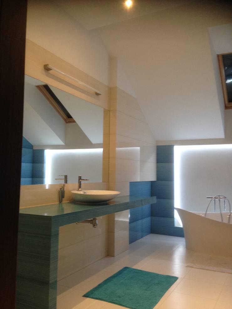 Dom Chwaszczowo- Gdynia: styl , w kategorii Łazienka zaprojektowany przez Pracownia Projektowa Wioleta Stanisławska