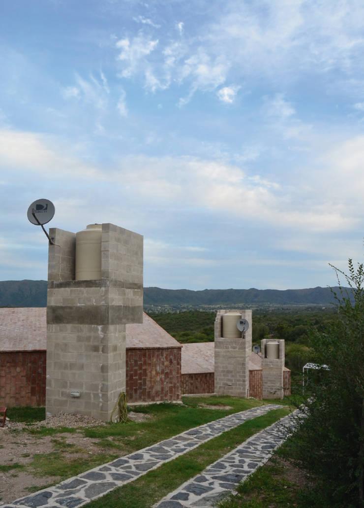 BIAU – El Mangaleta: Casas de estilo  por Marco Rampulla Arquitecto