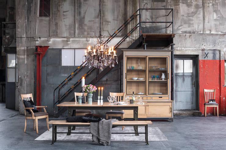 Salones de estilo  de Domicil Möbel GmbH,